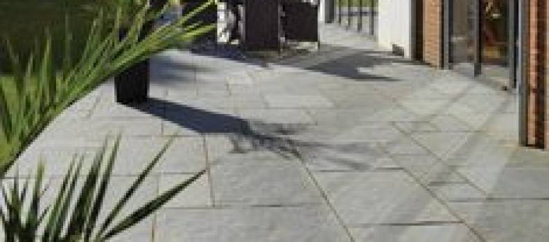 NATURAL STONE PATHWAYS ARE EMERGING AS THE HOTTEST TREND OF 2020- KOTA STONE, SANDSTONE, LIMESTONE AND MORE